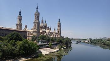 170531ピラール聖母教会エブロ川.jpg
