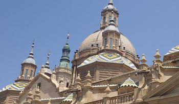 170531ピラール聖母教会屋根2.jpg