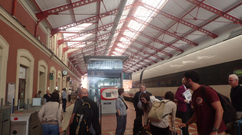 170601サン・セバスティアンの駅.jpg