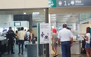 170601Zaragoza 駅の検査.jpg
