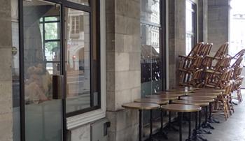 170603市庁舎の下のカフェ.jpg