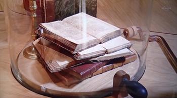 170916カビた本.jpg