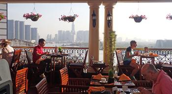 180308Majestic Saigonの朝食.jpg